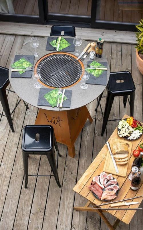 Table en acier corten, l'élément indispensable à votre maison