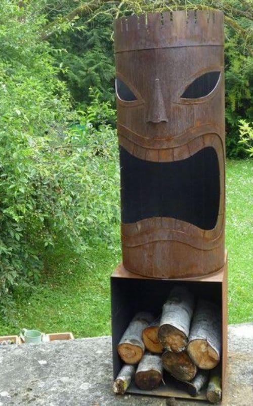 Décorer votre jardin avec un totem en acier corten
